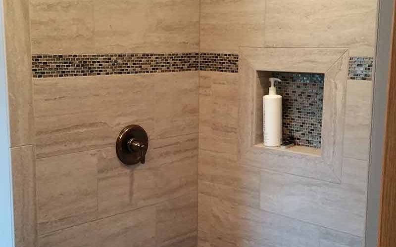 Shower With Accent Tile